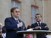 Elton John a Emmanuel Macron