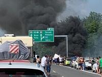 Požiar kamióna na D2.