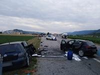 Štyria ľudia po nehode zomreli, traja sú ťažko zranení