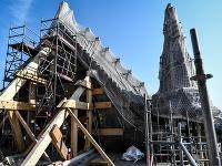 Rekonštrukčné práce na parížskej katedrále Notre-Dame