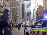 Muž útočil v centre Sydney nožom