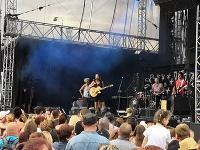 Tomáš Klus počas koncertu