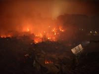 Požiar zničil tisíce príbytkov.