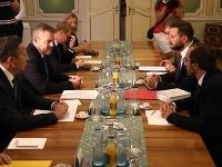 Premiér Peter Pellegrini sa  stretol s primátorom Bratislavy Matúšom Vallom