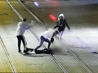 Muža napadli na Obchodnej ulici.