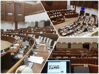V parlamente bolo krátko pred polnocou už len zopár poslancov