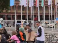 Vo Frankfurte demonštrujú tisíce ľudí