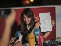 Kajs Saíd sa umiestnil na prvom mieste v odhadovaných výsledkoch nedeľňajších prezidentských volieb v Tunisku.