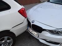 Opitý vrazil do zaparkovaného auta a zaspal