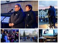 Rodičia zavraždeného novinára Jána Kuciaka, otec Jozef a jeho matka počas protestného zhromaždenia
