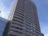 Výšková budova, z ktorej mladík pravdepodobne skočil