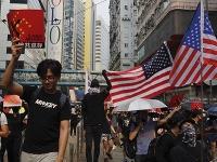 Nepokoje v Hongkongu neutíchajú, ľudia prichádzajú neustále do ulíc.