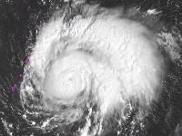 Tajfún Bualoi smeruje k Severným Mariánam
