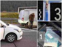Policajti v aute objavili drogy.