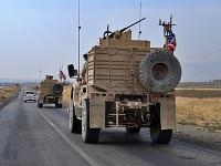 Americkí vojaci opúšťajúci Sýriu nemôžu zostať v Iraku
