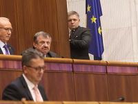 Opozícia chce dnes odvolávať podpredsedu parlamentu Martina Glváča