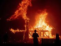 Východnú časť Austrálie sužujú rozsiahle prírodné požiare