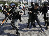 Napätie v Hongkongu neustále stúpa