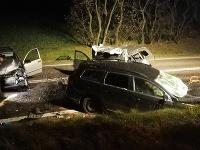 Štyria mŕtvi po nehode áut v okrese Znojmo.