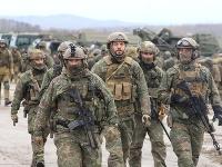 Vojaci na cvičení Slovenský štít