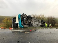 Pri dopravnej nehode pri Nitre zahynulo až 12 ľudí