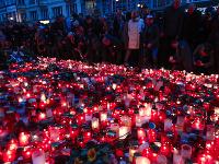 Tridsiate výročie Nežnej revolúcie si v Česku pripomínajú tisíce ľudí