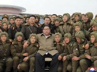 Uprostred Kim Čong-un