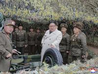 Kim Čong-un sa osobne zúčastnil cvičnej paľby