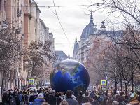 V Budapešti sa tisíce ľudí zapojilo do klimatického štrajku