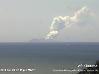 Na ostrove White Island utrpelo zranenia v dôsledku erupcie vulkánu približne 20 ľudí