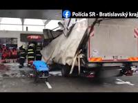 Nehoda na čerpacej stanici.