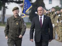 Minister Peter Gajdoš navštívil slovenských vojakov na vojenskej základni Butmir v Bosne a Hercegovine.