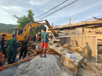 Po zrútení rozostavanej budovy hlásia už 36 mŕtvych