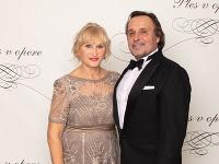 Jozef Vajda nechal svoju manželku prísť na Ples v opere samú!