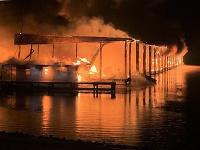 Požiar lodenice v rekreačnej oblasti Jackson County Park