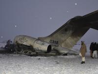 Na snímke trosky amerického lietadla typu Bombardier E-11A
