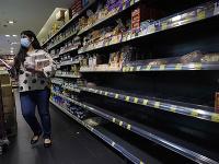 Vláda vyhlásila, že obyvatelia Hongkongu sa nemusia obávať nedostatku tovaru v obchodoch