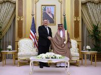 Americký minister zahraničných vecí Mike Pompeo sa stretol so saudskoarabským kráľom Salmánom.