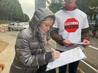 Novú petíciu za zákaz hazardu v Bratislave spustili ešte na jeseň 2019 aktivisti z iniciatívy Zastavme hazard