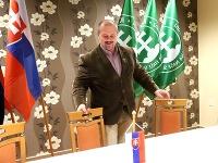 Lder ĽSNS Marian Kotleba v centrále strany po voľbách do NR SR v Banskej Bystrici