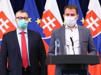 Predseda vlády SR Igor Matovič a vpravo minister financií SR Eduard Heger