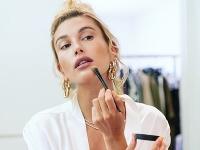 Ak príde reč na modelku HaileyBieber, preferuje vždy prirodzený a minimalistický prístup ku kráse