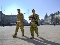 Mestá v Maďarsku obsadili vojaci