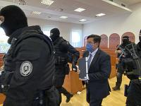 Pokračuje pojednávanie v kauze vraždy novinára Jána Kuciaka. Do Pezinka priviezli len obžalovaného Mariana Kočnera.