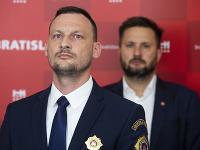 Marek Gajdoš a Matúš Vallo (v pozadí)