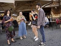 Taliansko v rámci uvoľňovania opatrení zavedených v dôsledku koronavírusovej pandémie povolilo v pondelok otvorenie reštaurácií, kaviarní, múzeí a väčšiny obchodov.