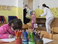 1. júna 2020 sa do materských a základných škôl vrátili deti za prísnych hygienických opatrení.