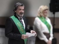 Jaroslav Budz predniesol príhovor na stužkovej slávnosti.
