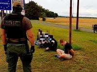 Policajná hliadka zadržala v piatok auto s nelegálnymi migrantmi