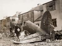 Trosky nemeckého bombardéra Heinkel He-111, ktorý bol zostrelený v bitke o Britániu